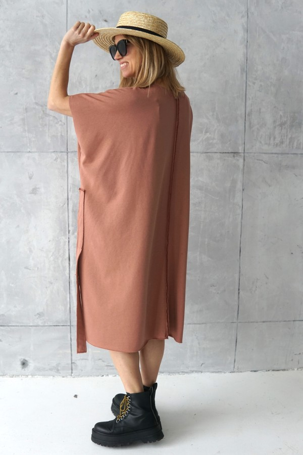 dress with details