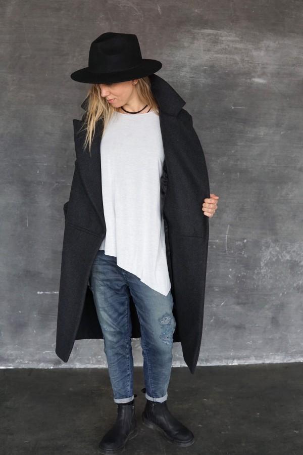 gray coat barcelona