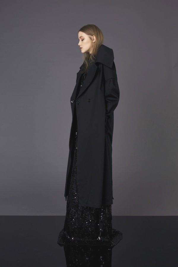 Black asymmetrical coat with big sleeve