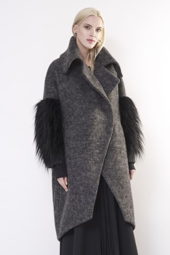 woolen coat with fur